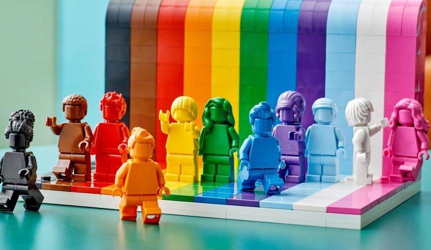 Lego выпустит первый ЛГБТК+ набор: каким он будет