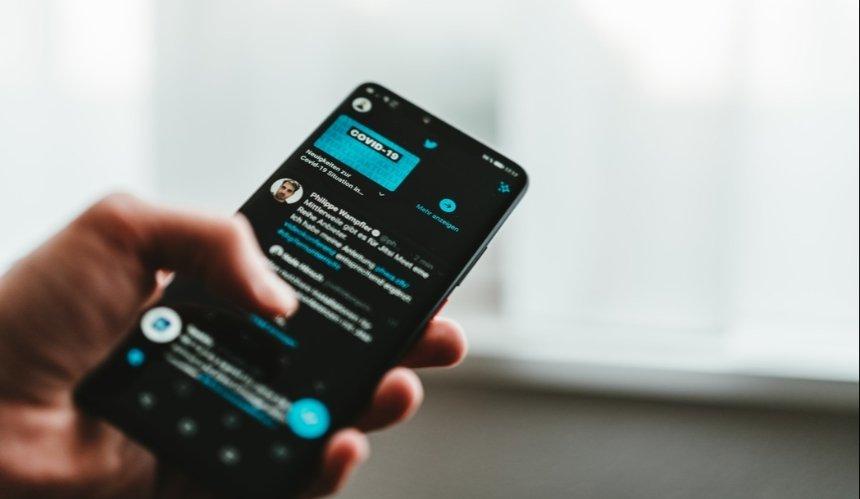 Twitter запустил платную платную подписку: какие там есть функции