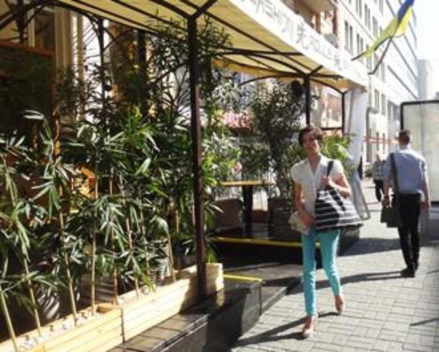 Дайте пройти: 10 ресторанов Киева, которые мешают пешеходам