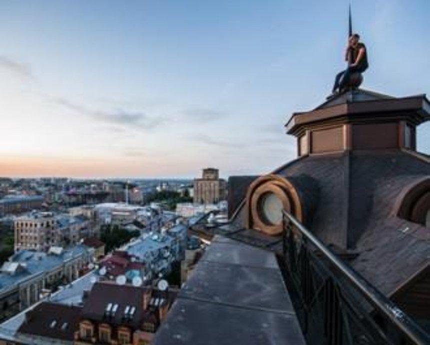 Вечерний центр: фоторепортаж с крыш на Круглоуниверситетской и Лютеранской