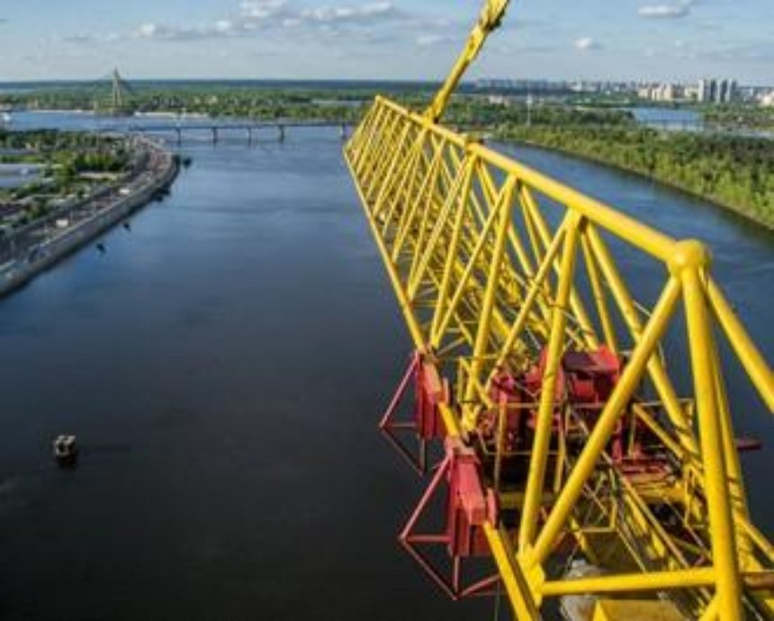 Кранты, как ярко: фото-прогулка по строительному крану у Подольского моста