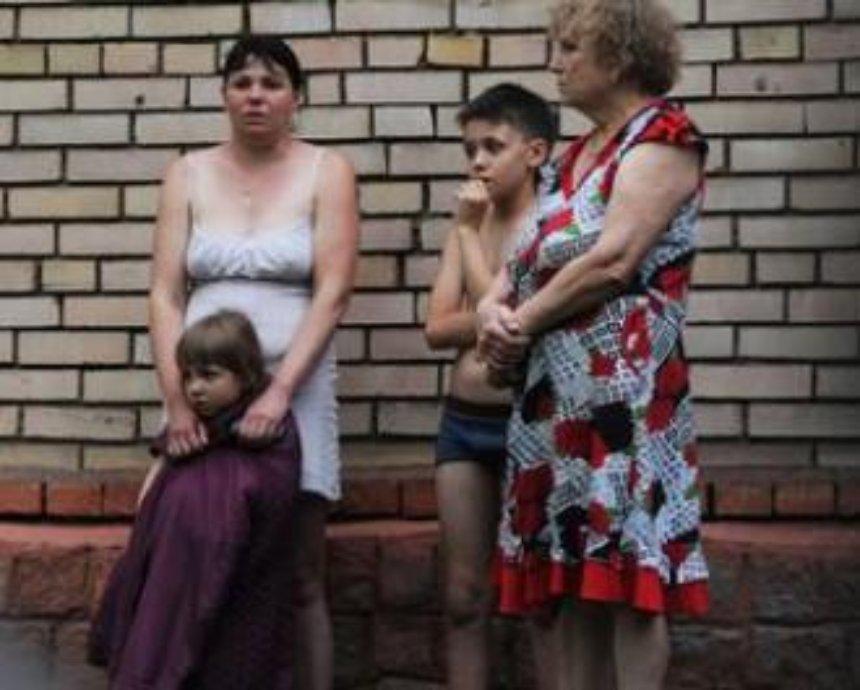 Беженцы из Донбасса могут бесплатно жить на вокзалах Украины: список станций