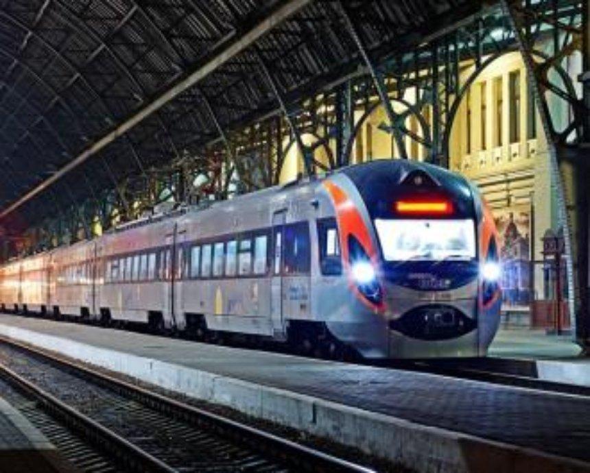 С 6 июня из Киева в Херсон можно добраться на скоростном поезде