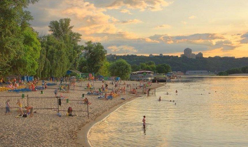Жителям столицы не рекомендуют купаться на всех городских пляжах