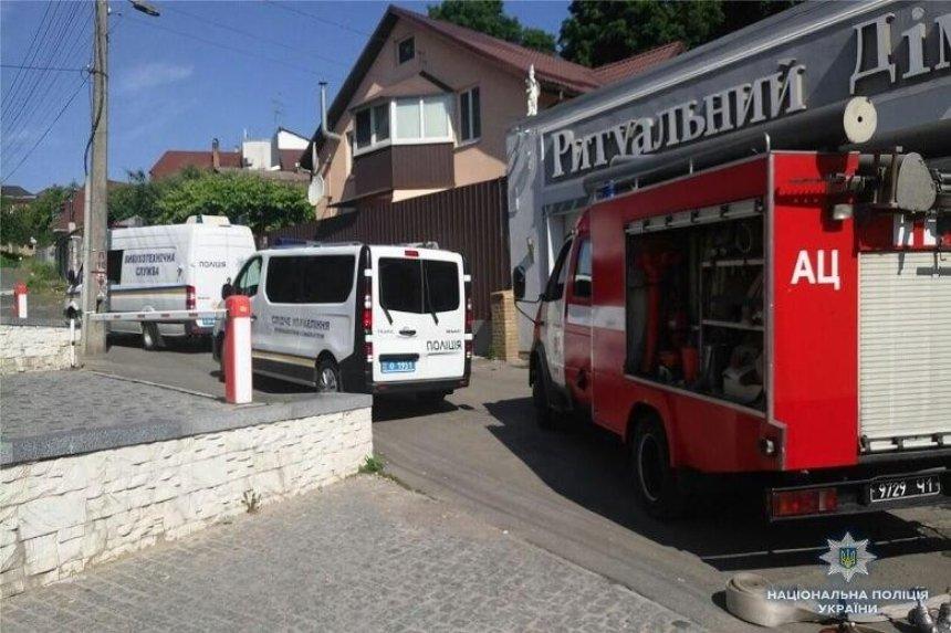 В Киеве из гранатомета стреляли в похоронное бюро