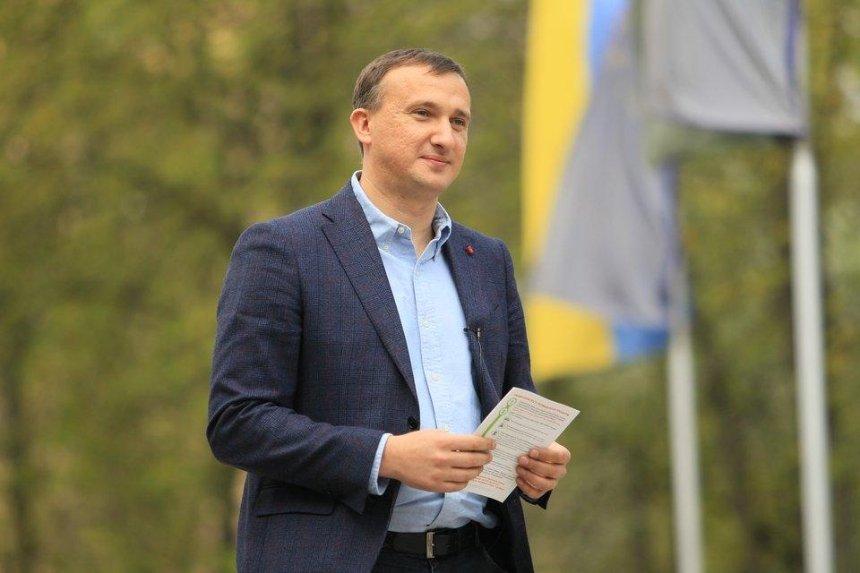 Экс-мэр Ирпеня свозил бюджетников на митинг под Кабмин, — активисты