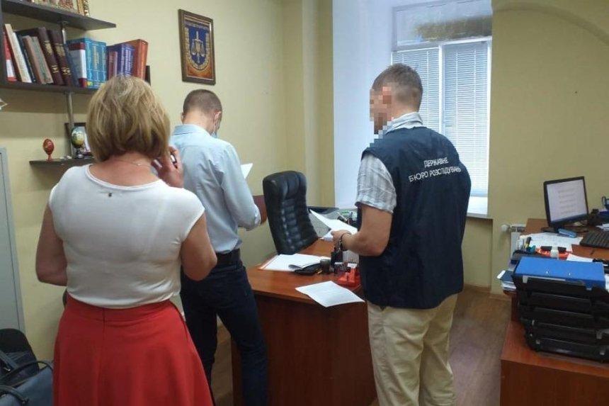 Следователь киевской Нацполиции «потерял» изъятые 1,2 млн грн и сразу уволился