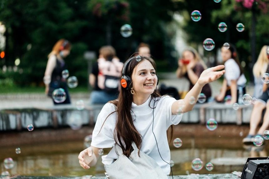 Киевский иммерсивный театр uzahvati открывает летний сезон спектаклей