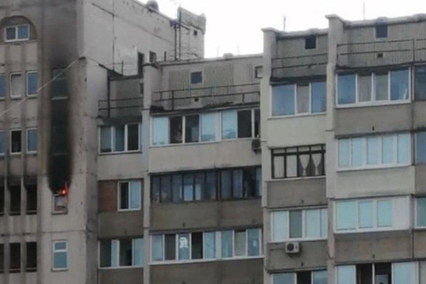 На столичных Позняках загорелась еще одна многоэтажка