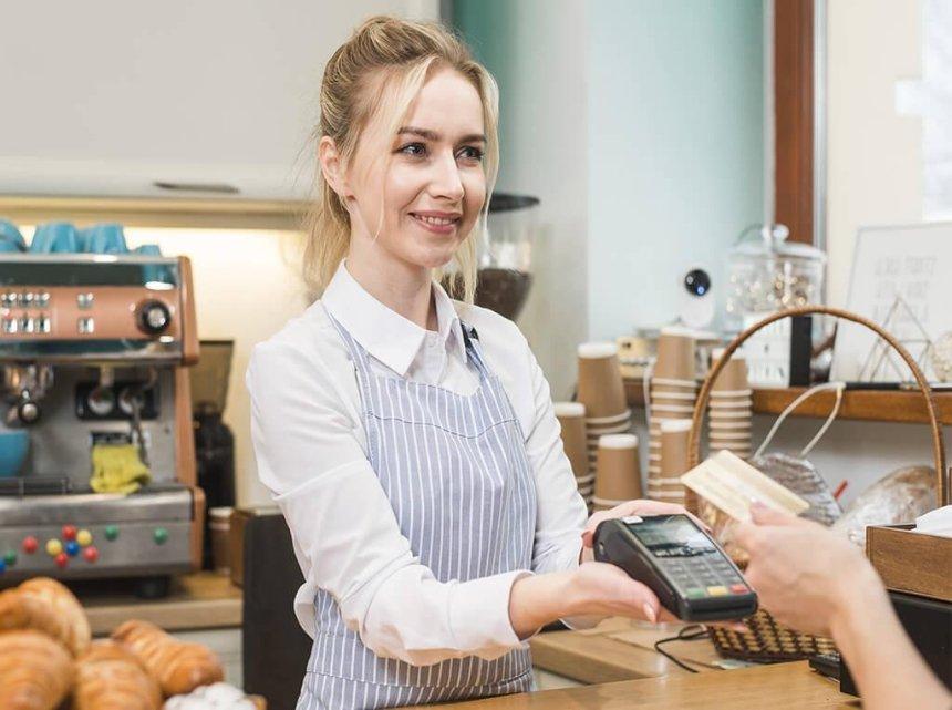 «ПриватБанк» запустил услугу выдачи наличных на кассах магазинов