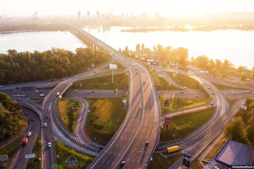 На окраинах Киева и левом берегу предлагают построить многоуровневые развязки