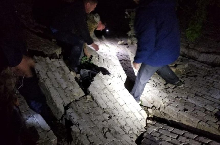 В Киевской области под завалами погиб 13-летний подросток