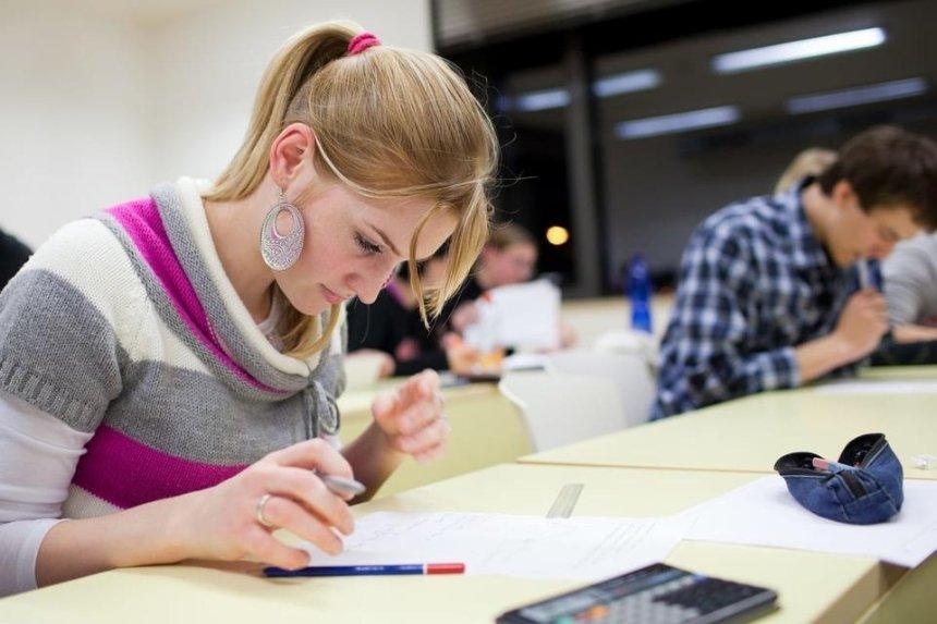 В Киеве отменили экзамены для 11-классников — МОН назвало решение незаконным