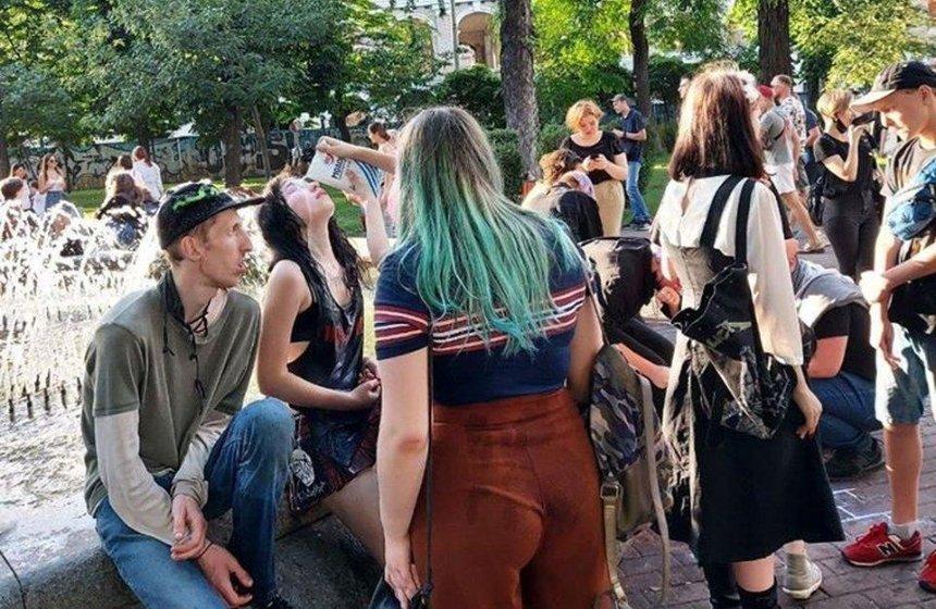 На Подоле радикалы нападали на людей из-за яркой внешности