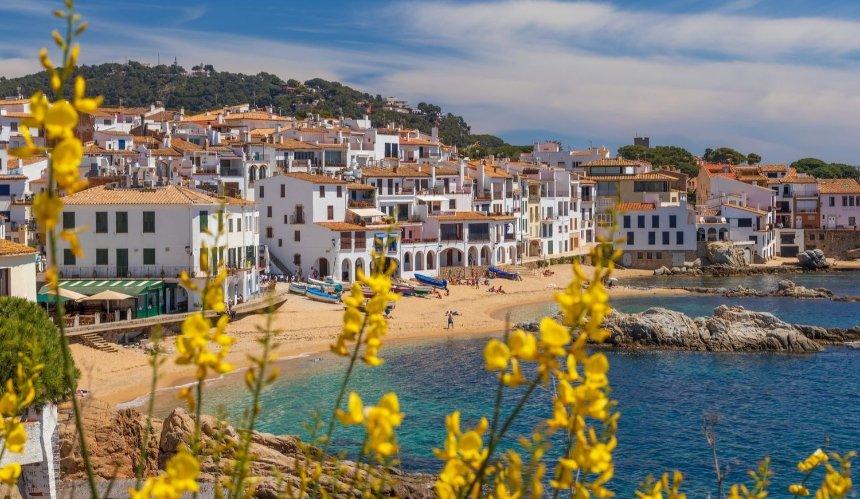 Испания открывает границы для вакцинированных туристов