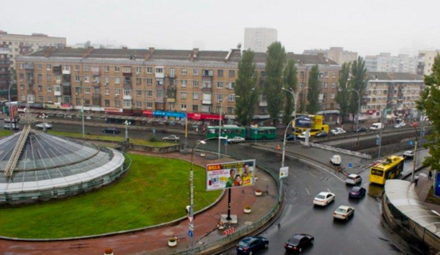 На Севастопольской площади на неделю ограничат движение транспорта