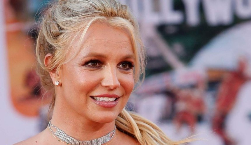 Бритни Спирс просит суд лишить ее отца опекунства: что произошло