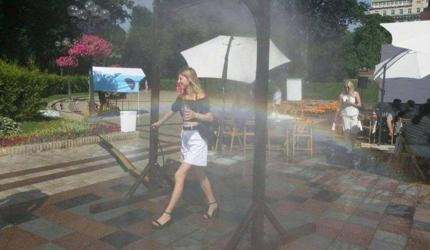В киевских парках устанавливают охлаждающие рамки: где они уже работают