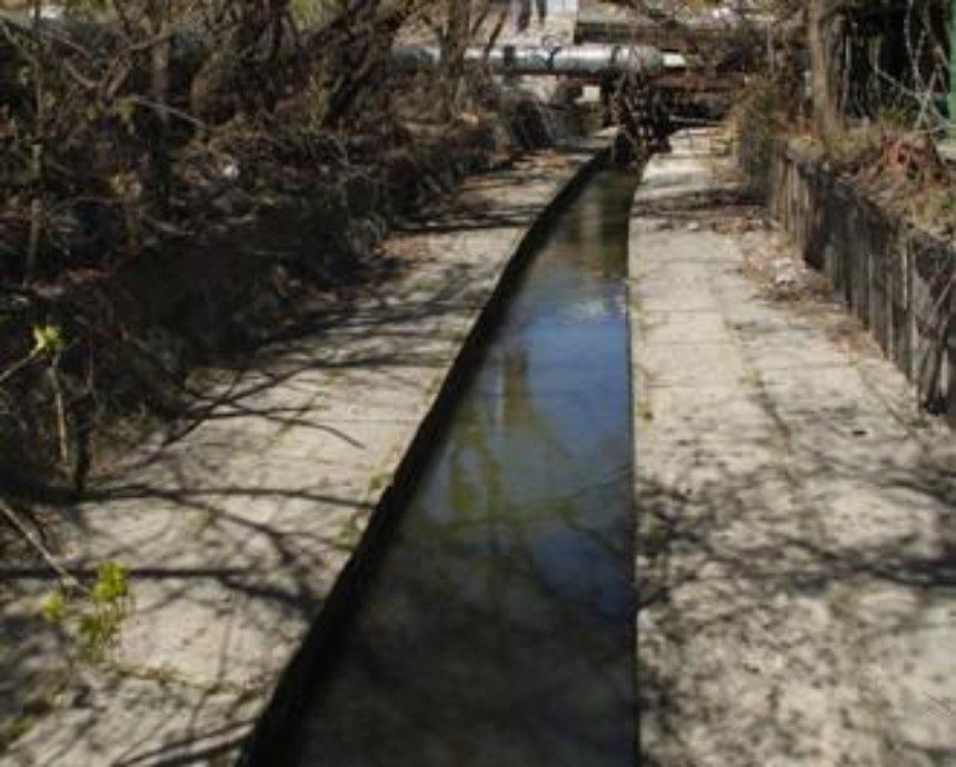 В киевской речке Лыбидь обнаружили мертвую женщину