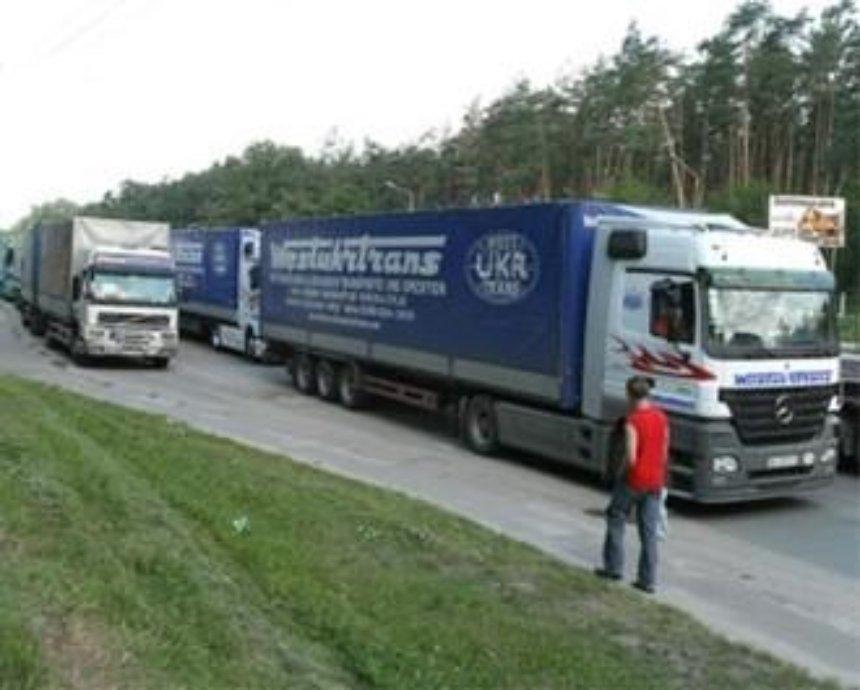 Во время жары в Киеве ограничат движение грузовиков