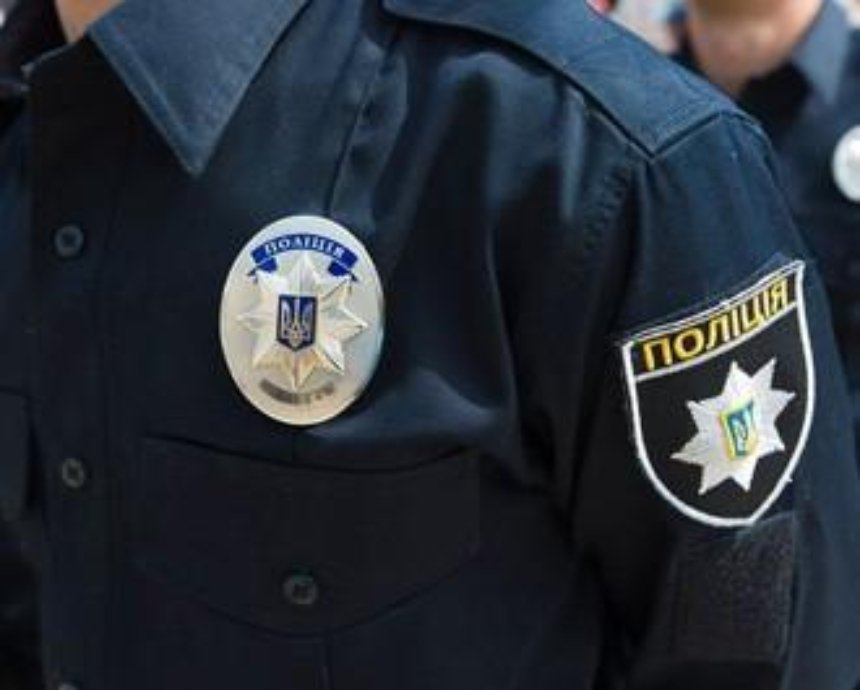 """В Киеве """"герой парковки"""" угрожал пистолетом патрульным"""