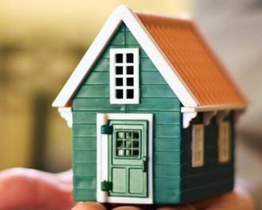 На Осокорках неизвестные захватили дом пенсионера