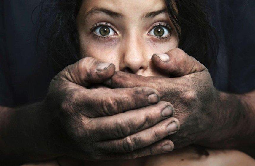 Трое сутенеров продавали украинок в сексуальное рабство в Китай