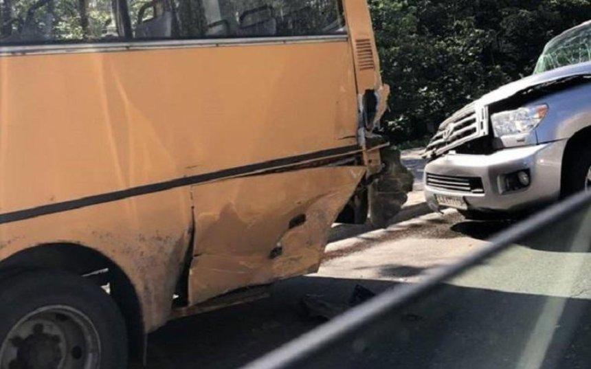 П'яний водій врізався вмаршрутку інамагався втекти змісця ДТП (фото)