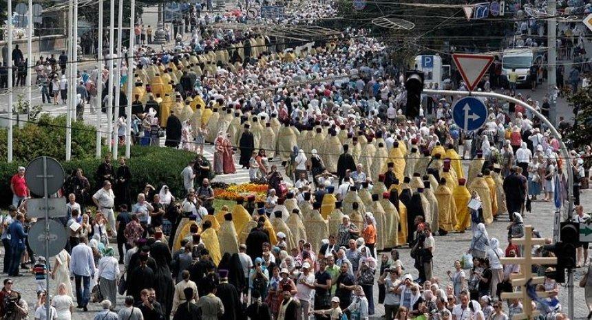 В годовщину крещения Киевской Руси в столице пройдет три крестных хода