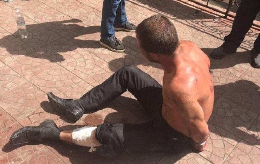 В Киеве неадекватный мужчина пытался захватить заложницу (фото)