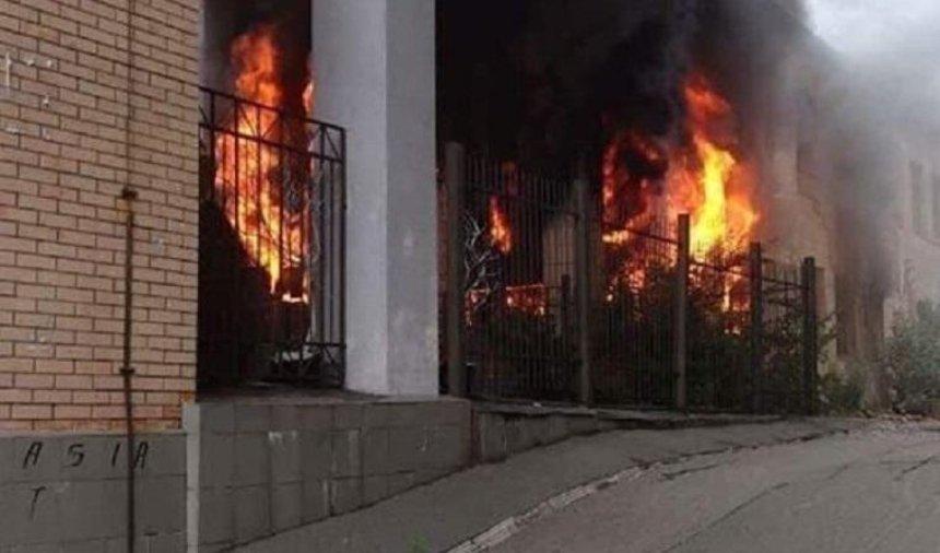 В Шевченковском районе произошел сильный пожар (фото, видео) (обновлено)