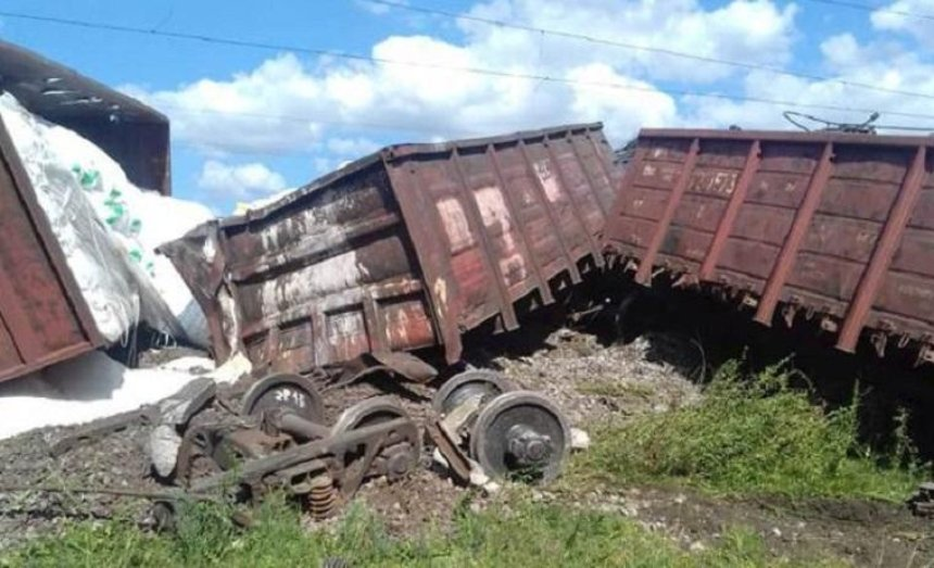 Из-за масштабной аварии в Одесской области пассажирские поезда приходили с опозданием на несколько часов (фото)