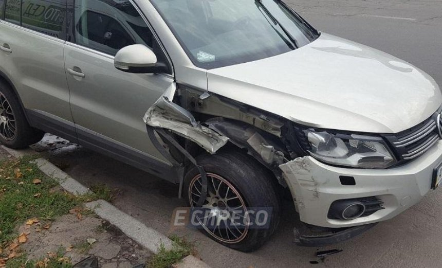 На Борщаговке внедорожник сбил женщину на пешеходном переходе (фото)