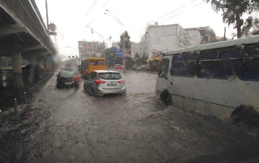 В Киеве составили карту затапливаемых после дождей улиц