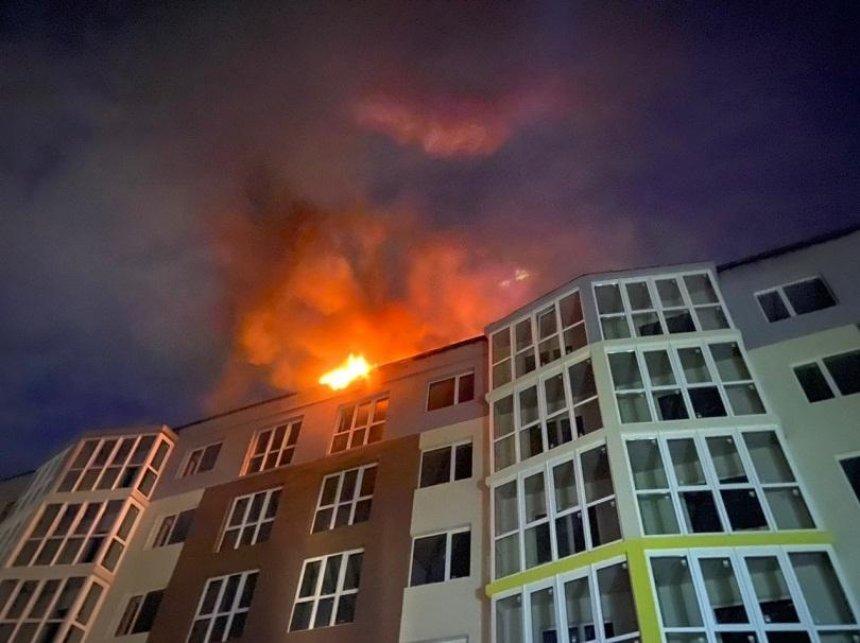 В Киеве ночью горел недостроенный жилой комплекс