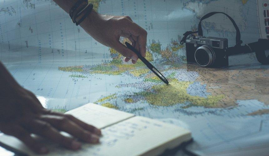 В Украине запустили бот с информацией об условиях путешествий за границу