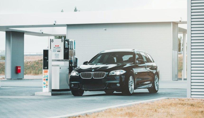 В Украине могут запретить ввоз бензиновых и дизельных авто