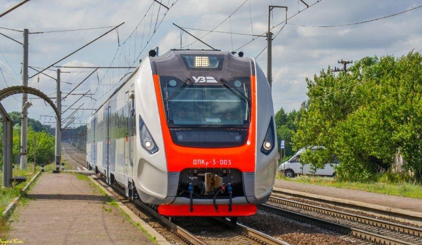 «Укрзалізниця» предупредила озадержке десяти поездов из-за погоды