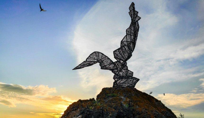 Ангел доброты, «Баку 84» и обожженные барельефы: это 10 неформальных достопримечательностей Киева