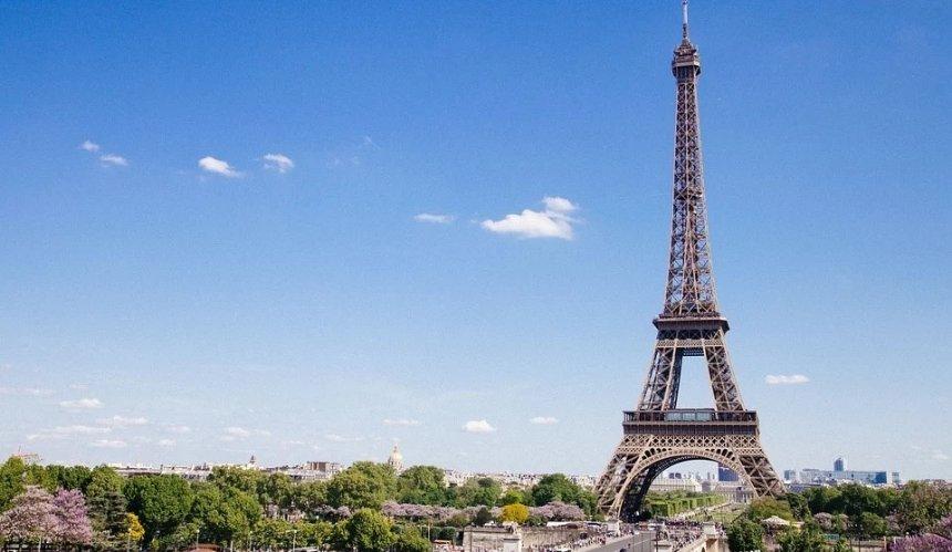 Франция открыла границы для вакцинированных украинцев: условия въезда