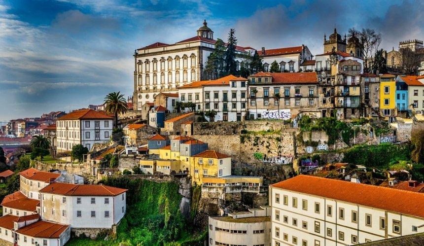 Португалия открывает границы для туристов: подробности