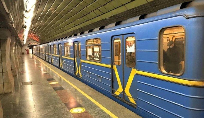Встоличном метро устроили необычный перформанс коДню борьбы сраком легких