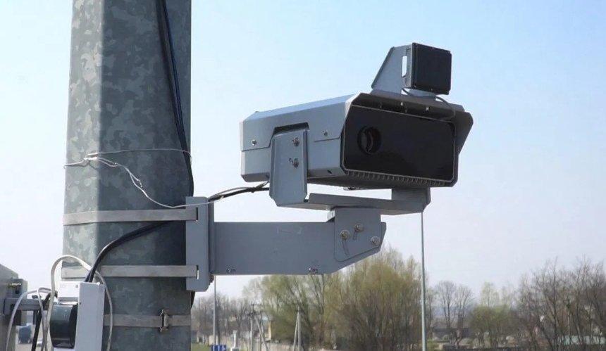 На украинских дорогах заработали новые камеры автофиксации: где именно