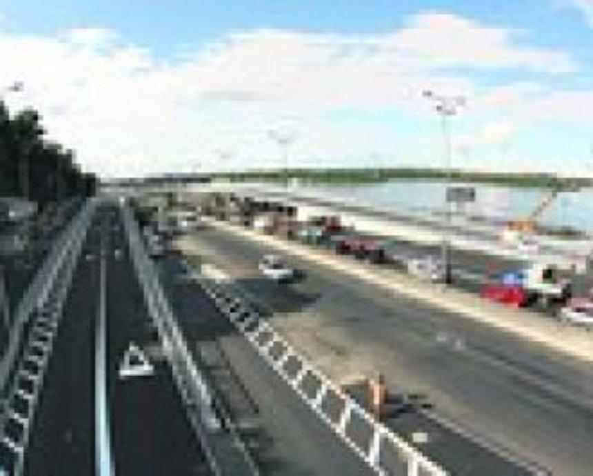 Новая развязка у моста Метро: непонятная разметка и не хватает знаков