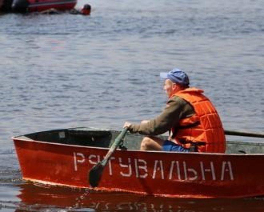На киевском пляже спасли женщину
