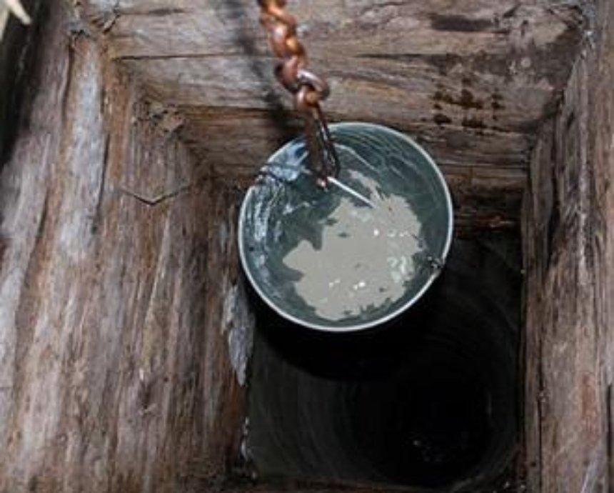 Воду в районе горевшей под Киевом нефтебазы признали пригодной для питья