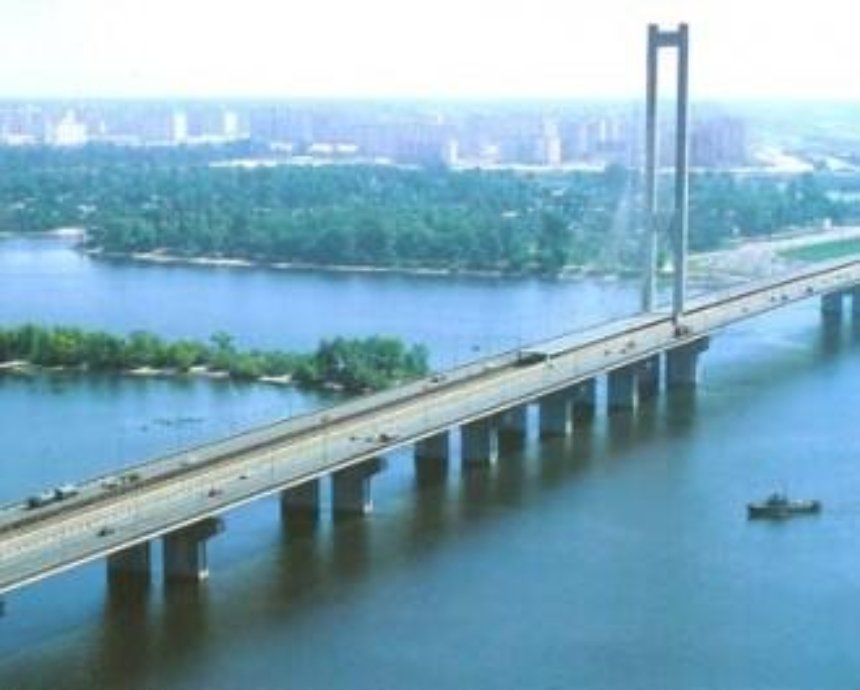 На Южном мосту на две недели ограничат движение