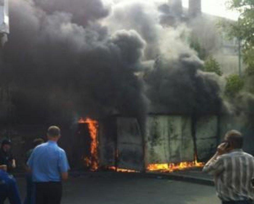 На Лукьяновке вспыхнул пожар (фото)