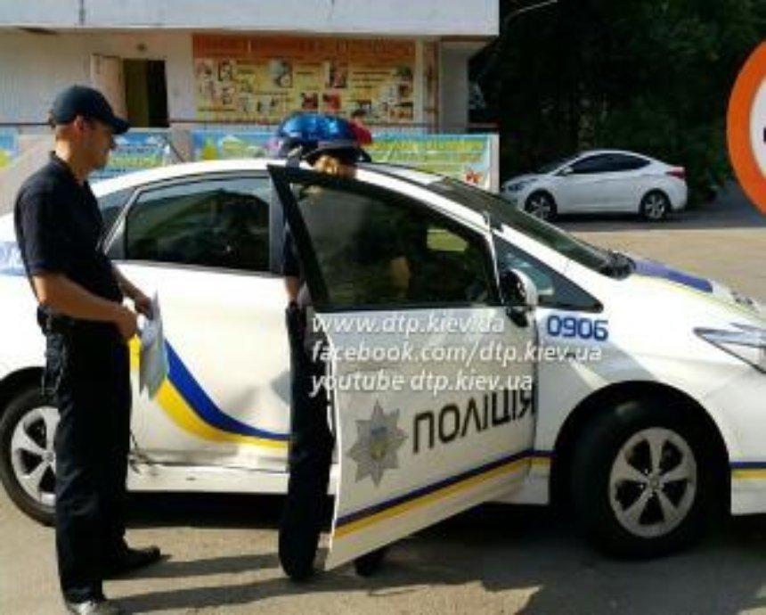 В  Киеве в машину полиции врезалась Toyota Prius (фото, видео)