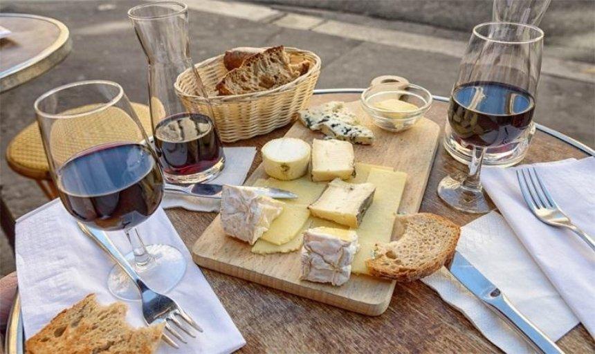 В столице пройдет фестиваль сыра и вина
